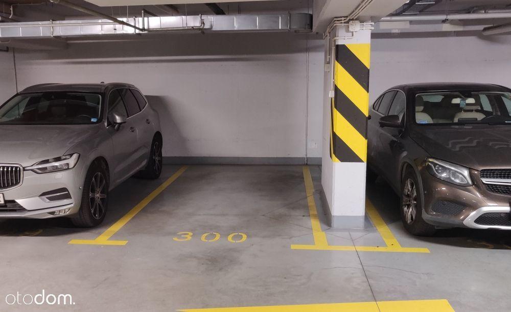Garaż miejsce postojowe car parking Giełdowa 4