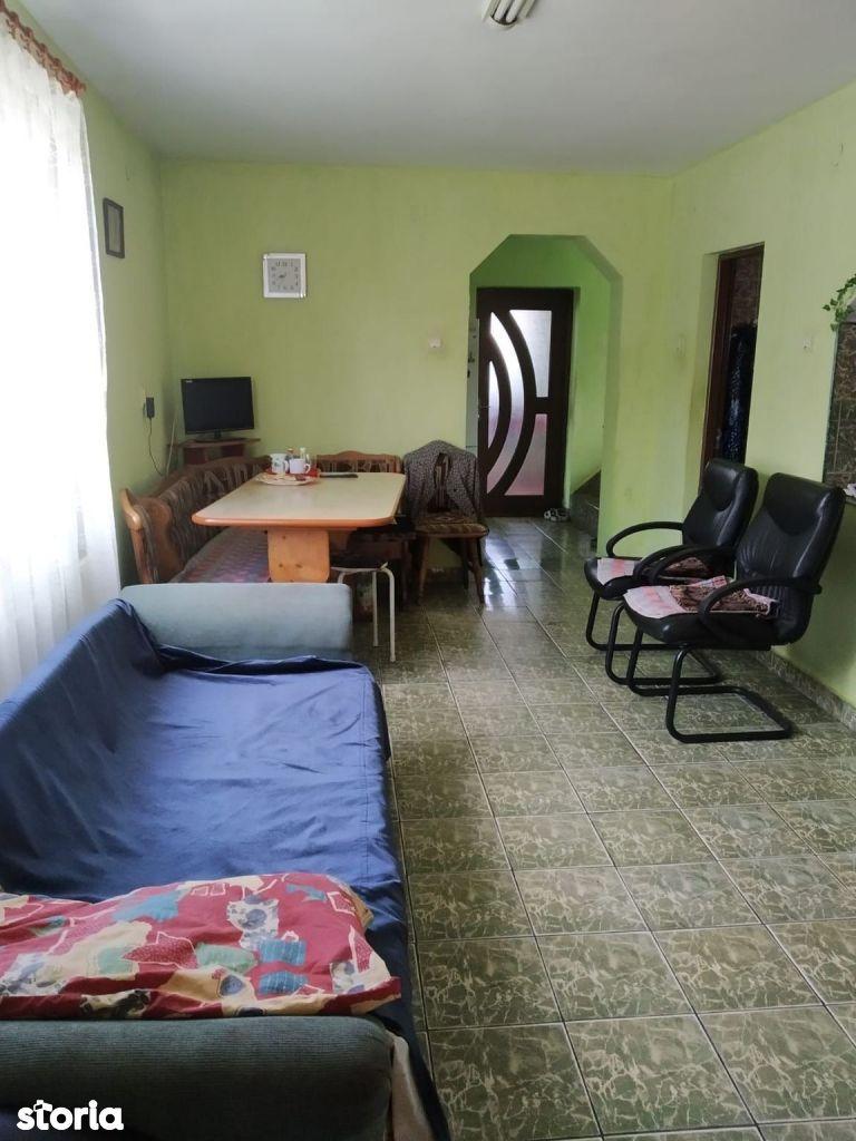 Casă / Vilă cu 4 camere de vânzare în zona Someseni
