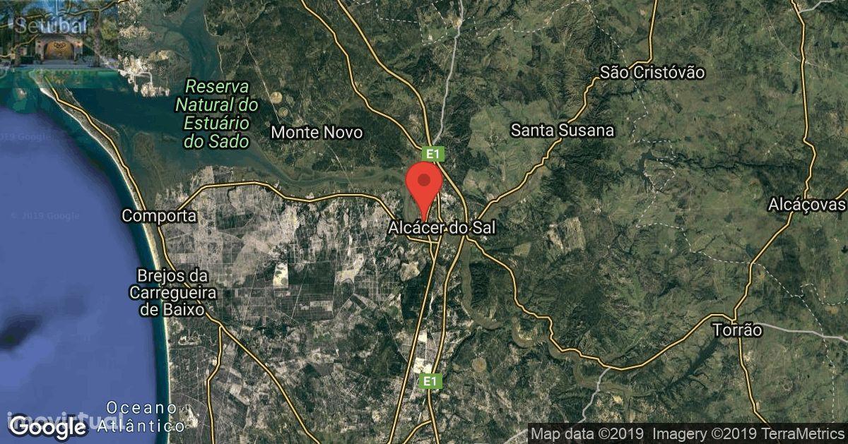 Alcaçer do Sal / Grandola - Herdade 115 Ha , vedada , Nascente , plana