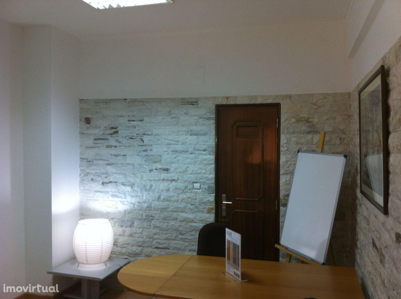 Pacote de 40 Horas + Oferta 4 HORAS, para as suas reuniões em Lisboa!