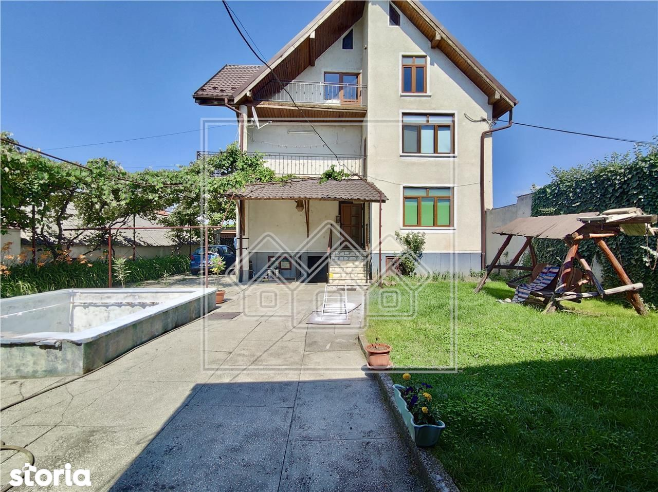 Casa individuala in Avrig - cu pivnita si piscina, teren 450 mp