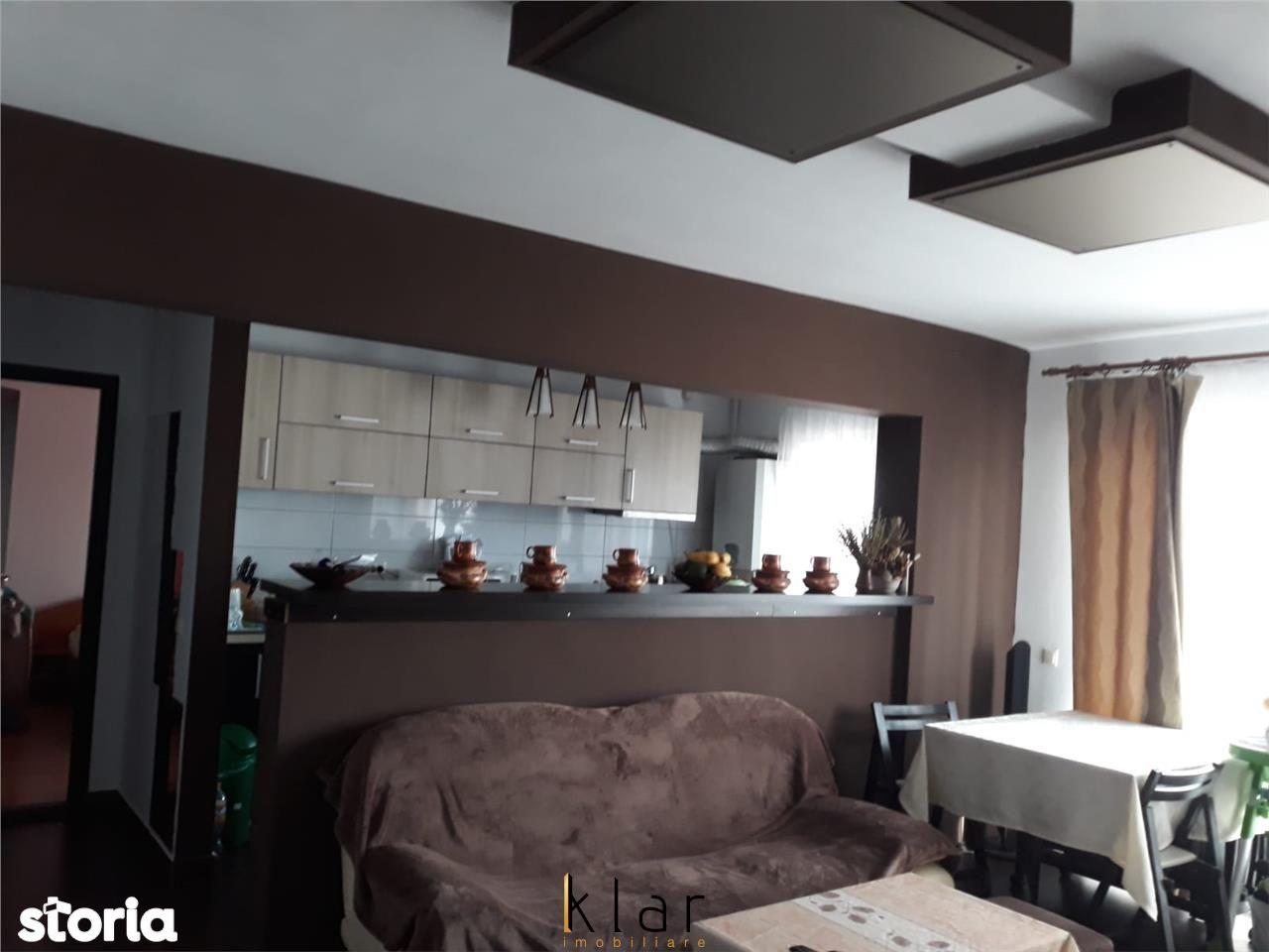 Apartament cu 2 camere balcon parcare zona Sesul de sus