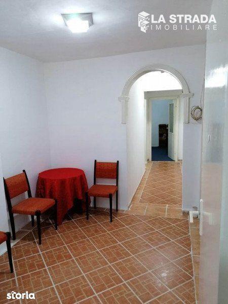 Apartament 3 camere, strada Mehedinti, cartierul Manastur,