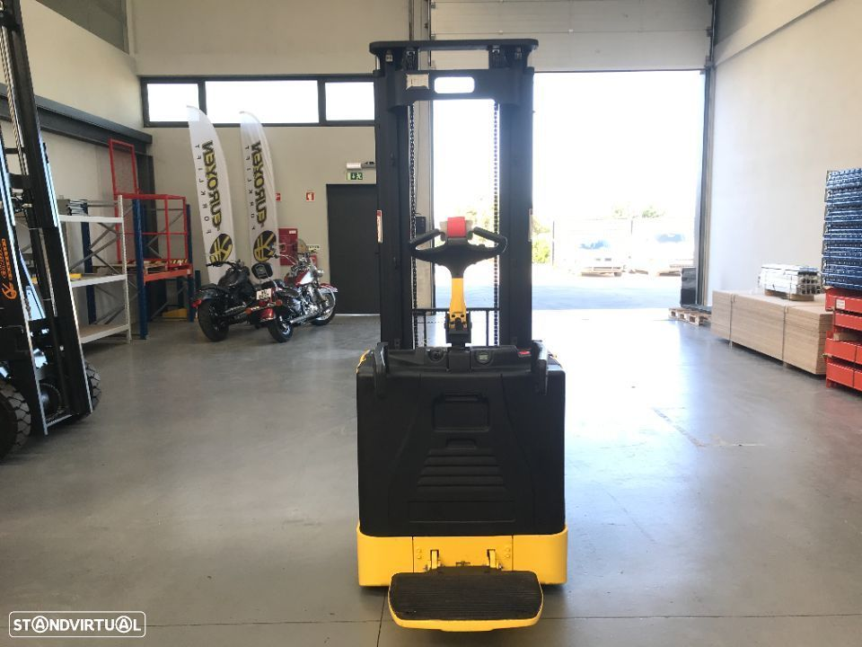 Hyster Stacker Hyster 1500 Kgs Eléctrico - 4