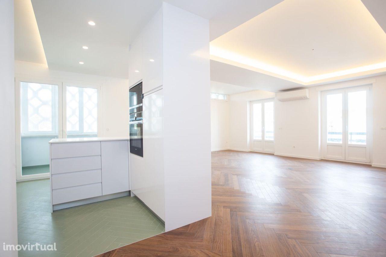 Apartamento T3 Duplex no Bairro de S. Miguel à Av. de Roma