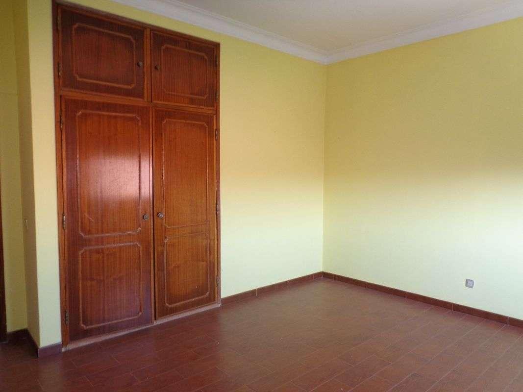 Moradia para comprar, Brogueira, Parceiros de Igreja e Alcorochel, Torres Novas, Santarém - Foto 17