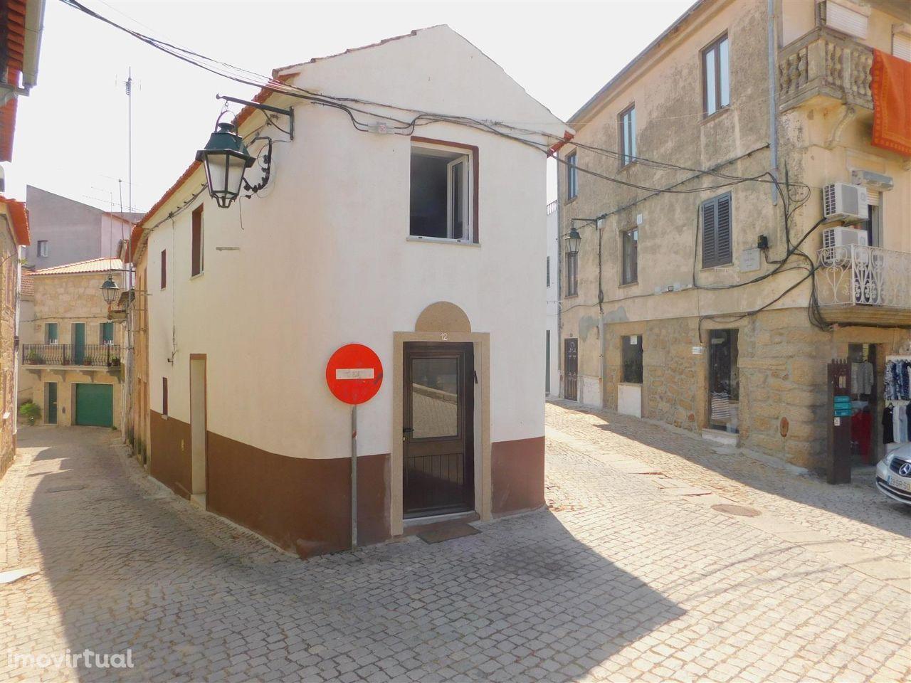 Moradia totalmente restaurada no centro histórico de Belmonte.