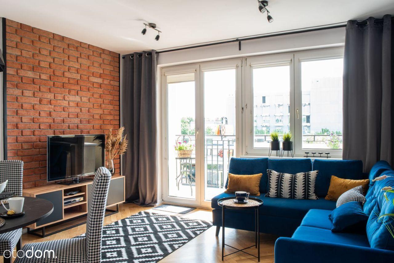 Klimatyczne mieszkanie, wysoki standard!