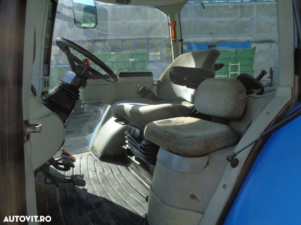 New Holland T8020 - 11
