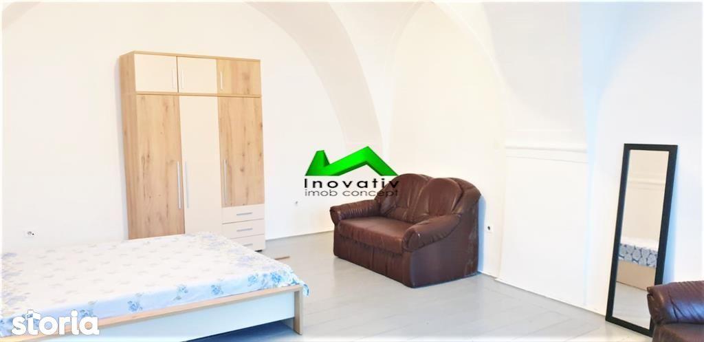Apartament 2 camere,decomandat,mobilat complet,Central