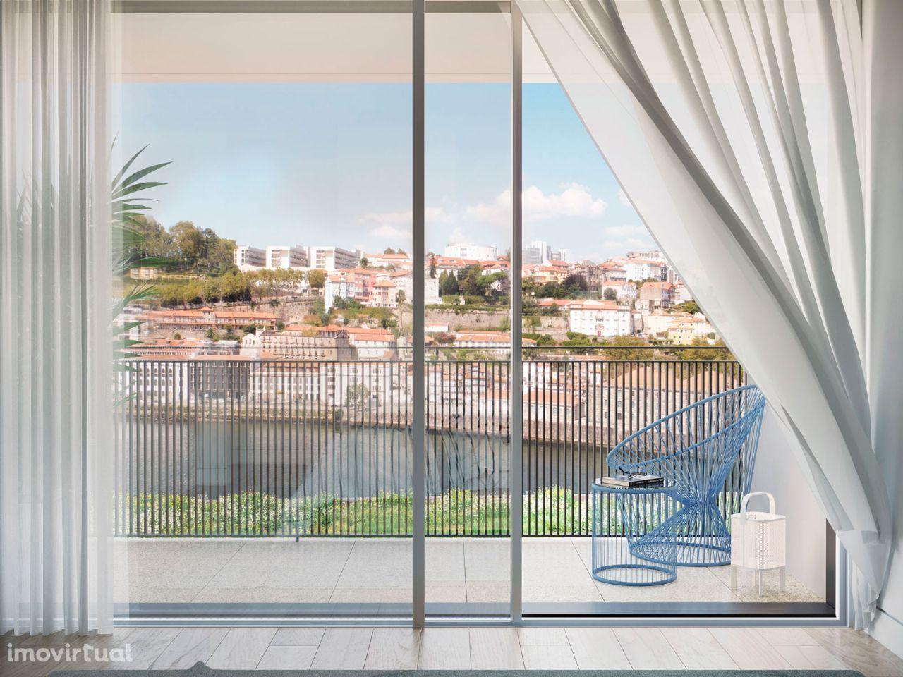 T1, com 86 m2, vista rio, varanda de 11 m2 e 1 lugar de garagem