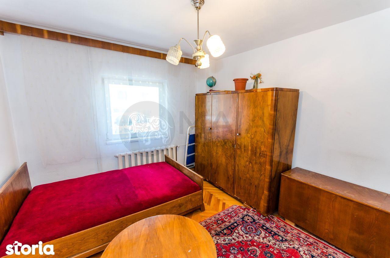 Apartament 4 camere, 2 bai, et.2, zona garii, central