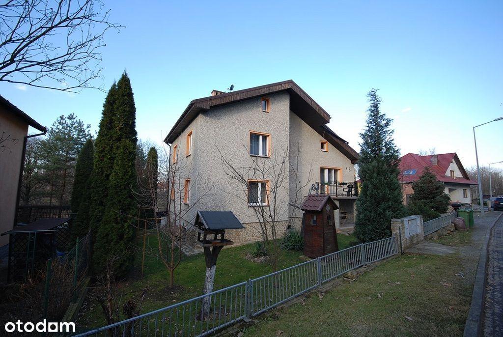 Dom wolnostojący wybudowany w 2000 roku