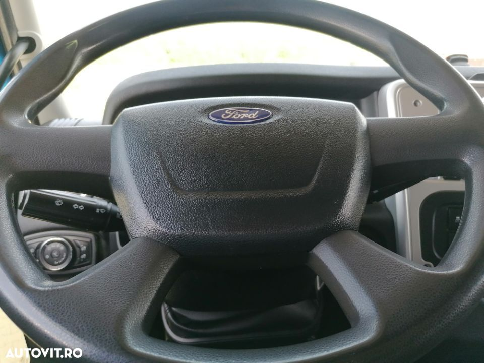Ford Cargo - 10