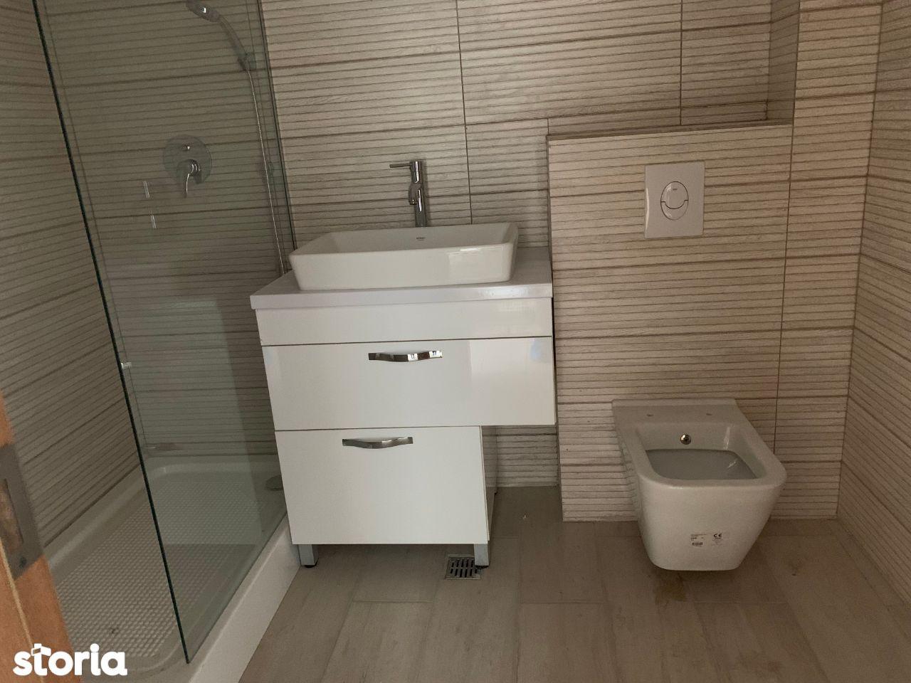 2 camere decomandat, bloc nou finalizat, metrou Aparatorii Patriei