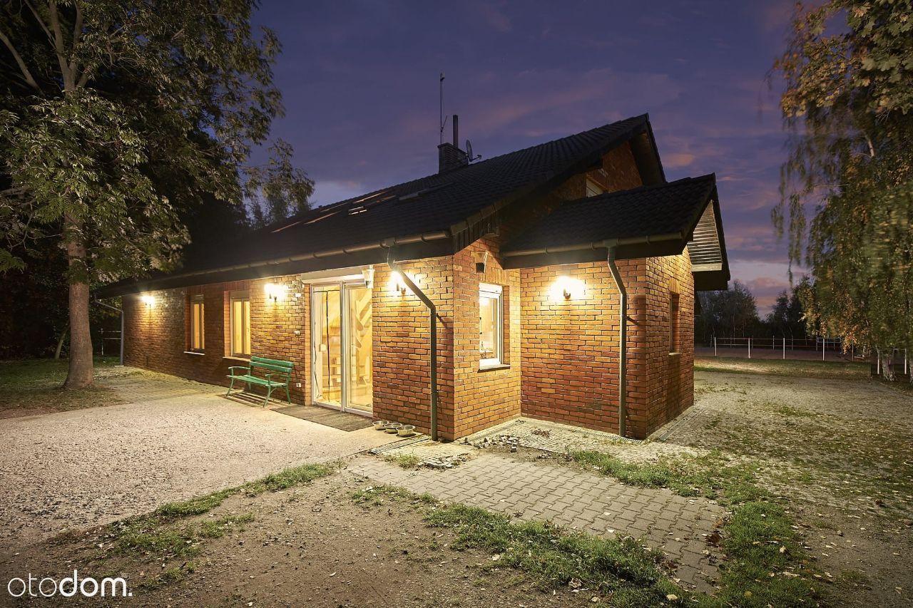 Dom ze stajnią dla miłośnika koni