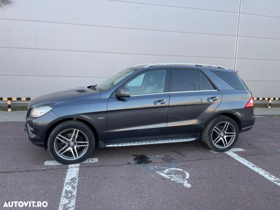 Mercedes-Benz ML 350 - 3