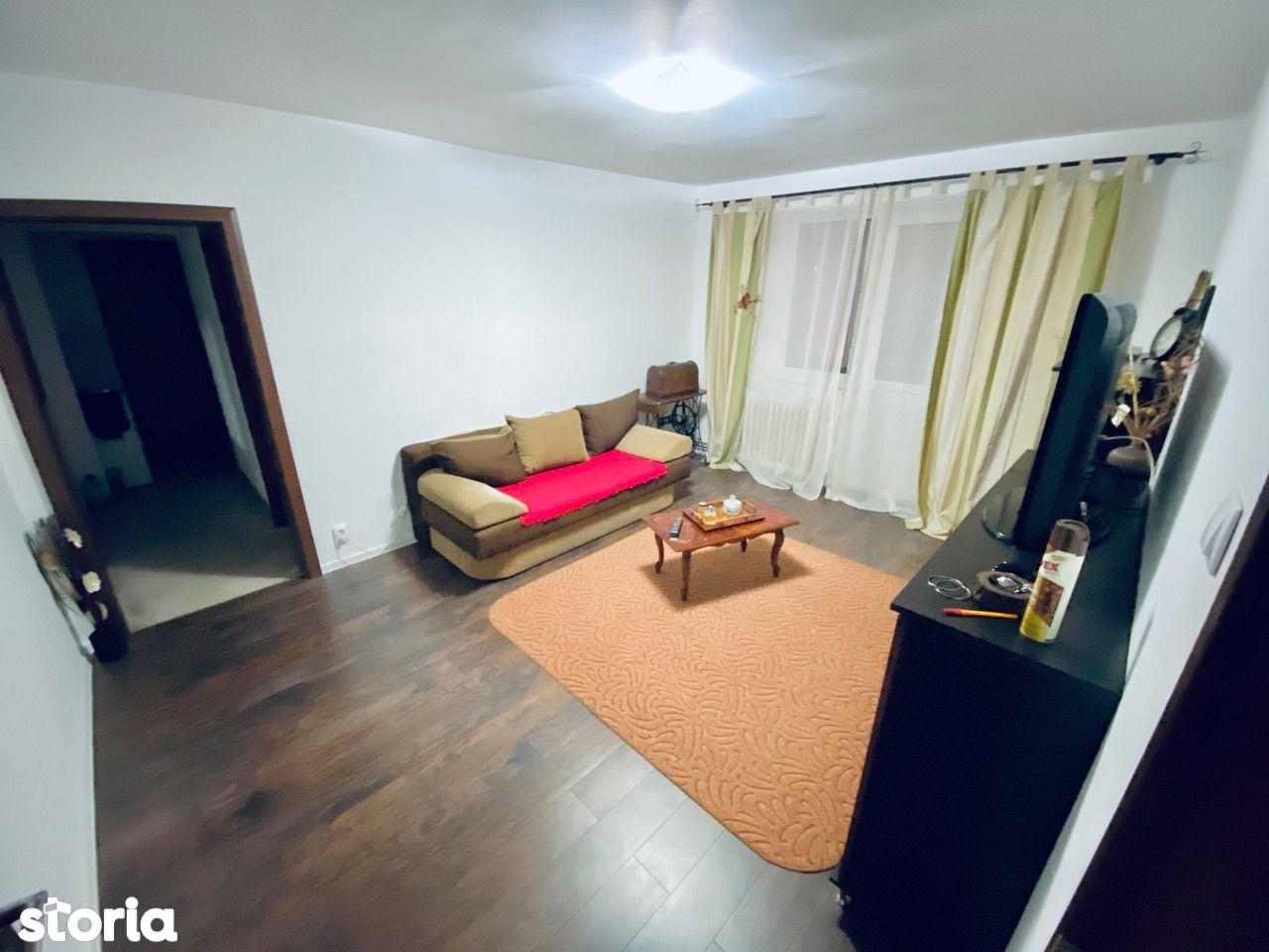 Apartament 3 camere-pivnita-etaj 2- Ciresica