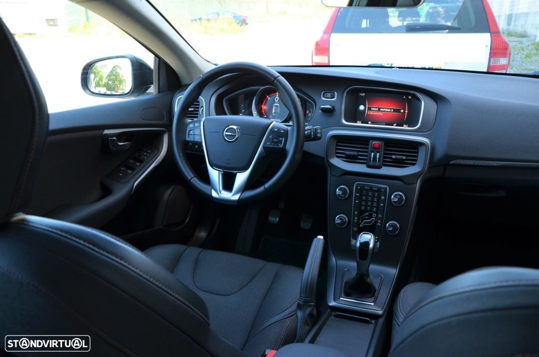 Volvo V40 Cross Country 2.0 D2 Plus - 6