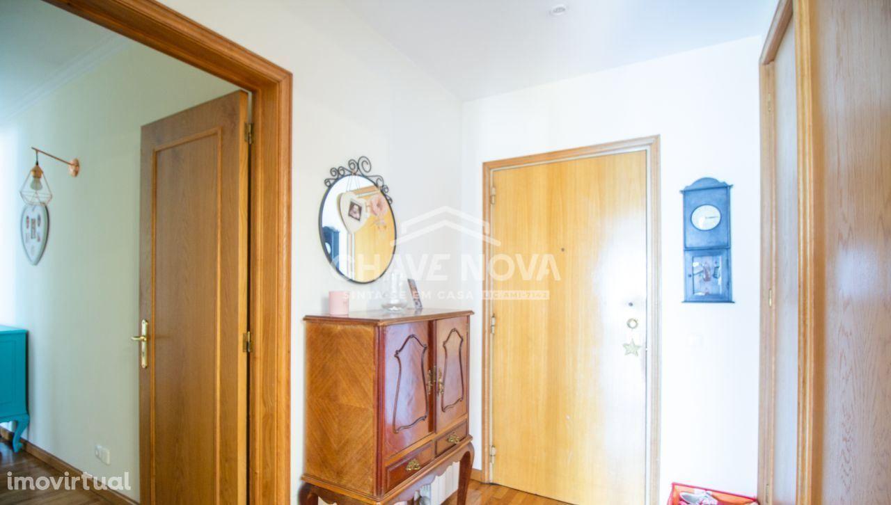 MV - T2 Condomínio Fechado c/ Garagem Box em Vilar do Paraíso