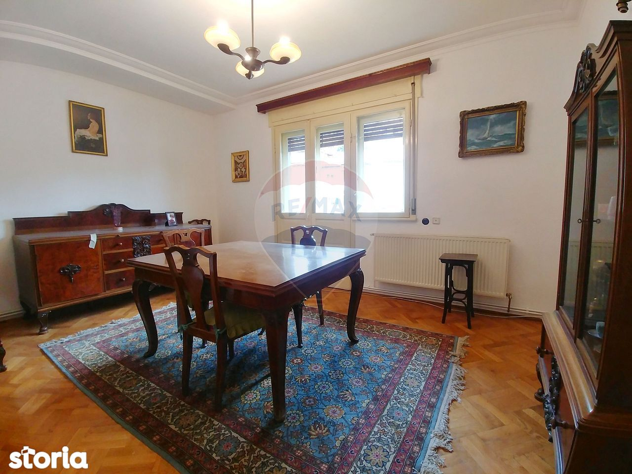 Apartament linistit si spatios cu 3 camere de inchiriat in zona Obor