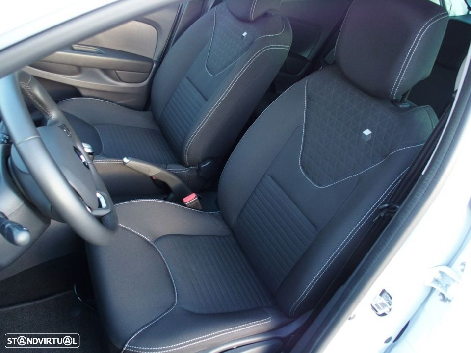 Renault Clio 1.5 Dci LIMITED GPS - 30
