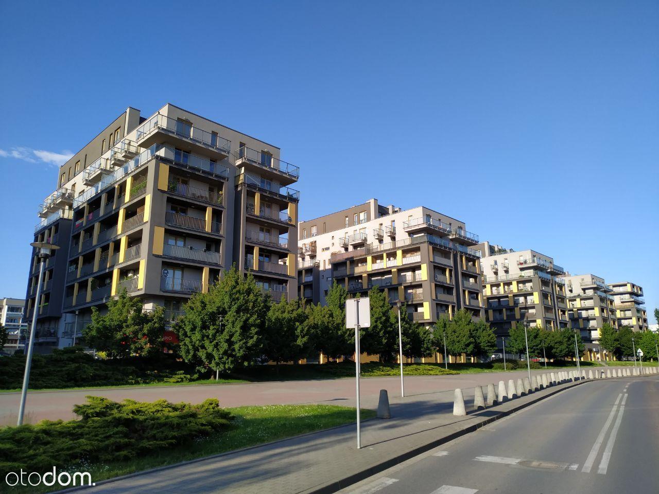 Kawalerka, Marii Dąbrowskiej, City Towers