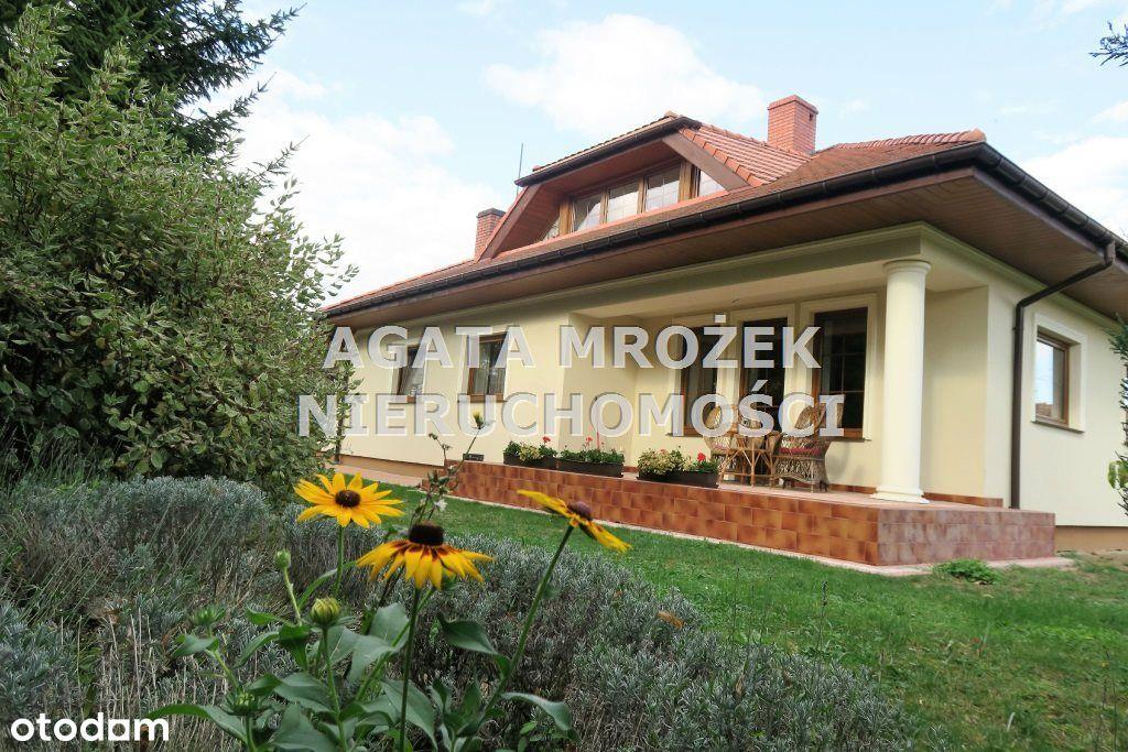 Dom, 240 m², Święte