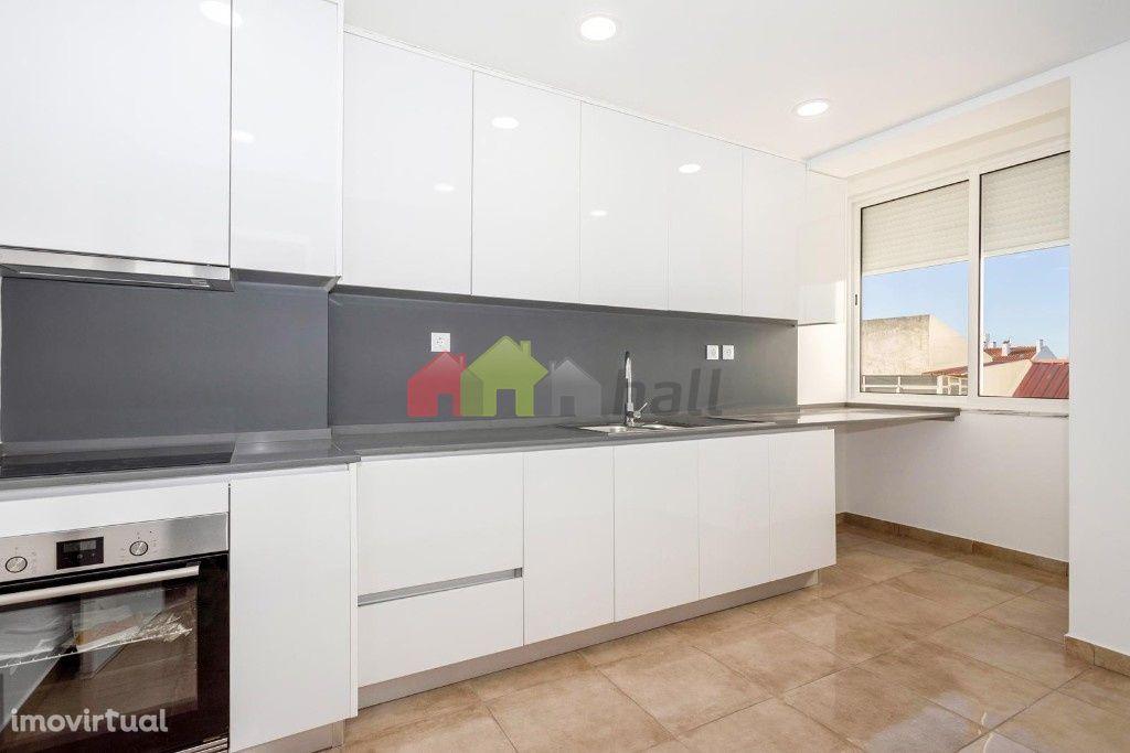 Apartamento T2 Totalmente remodelado Baixa da Banheira
