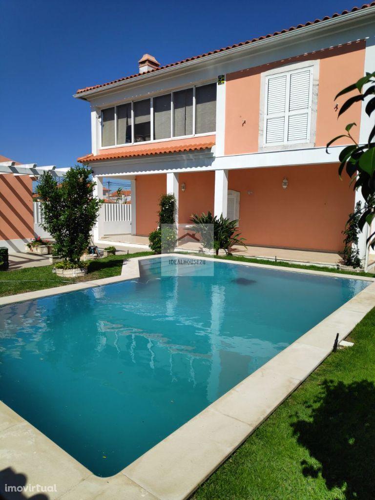 Moradia Isolada T3 em lote de 510m2 com piscina.