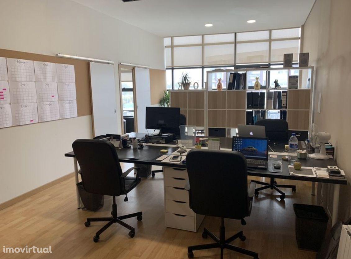 Escritório Mobilado em zona nobre de V.N. Gaia - Lake Towers
