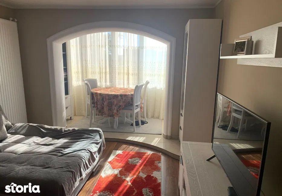 Vanzare apartament cu 4 camere in cartierul Marasti
