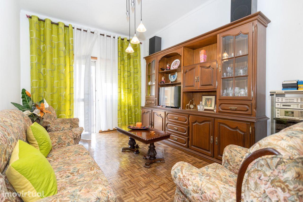 Apartamento T3, 2º andar, Baixa da Banheira