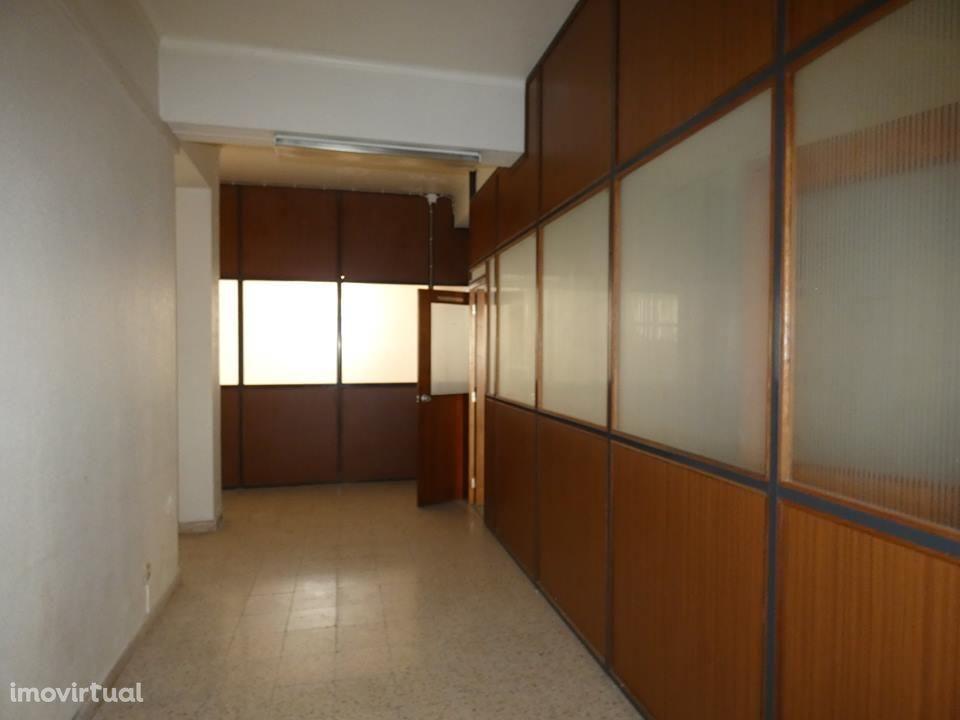 Loja para arrendar, Alcobaça e Vestiaria, Alcobaça, Leiria - Foto 7