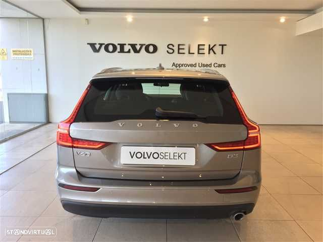 Volvo V60 2.0 D3 Momentum Geartronic - 7