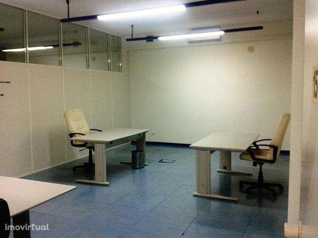 Escritório para arrendar, Carnaxide e Queijas, Lisboa - Foto 1