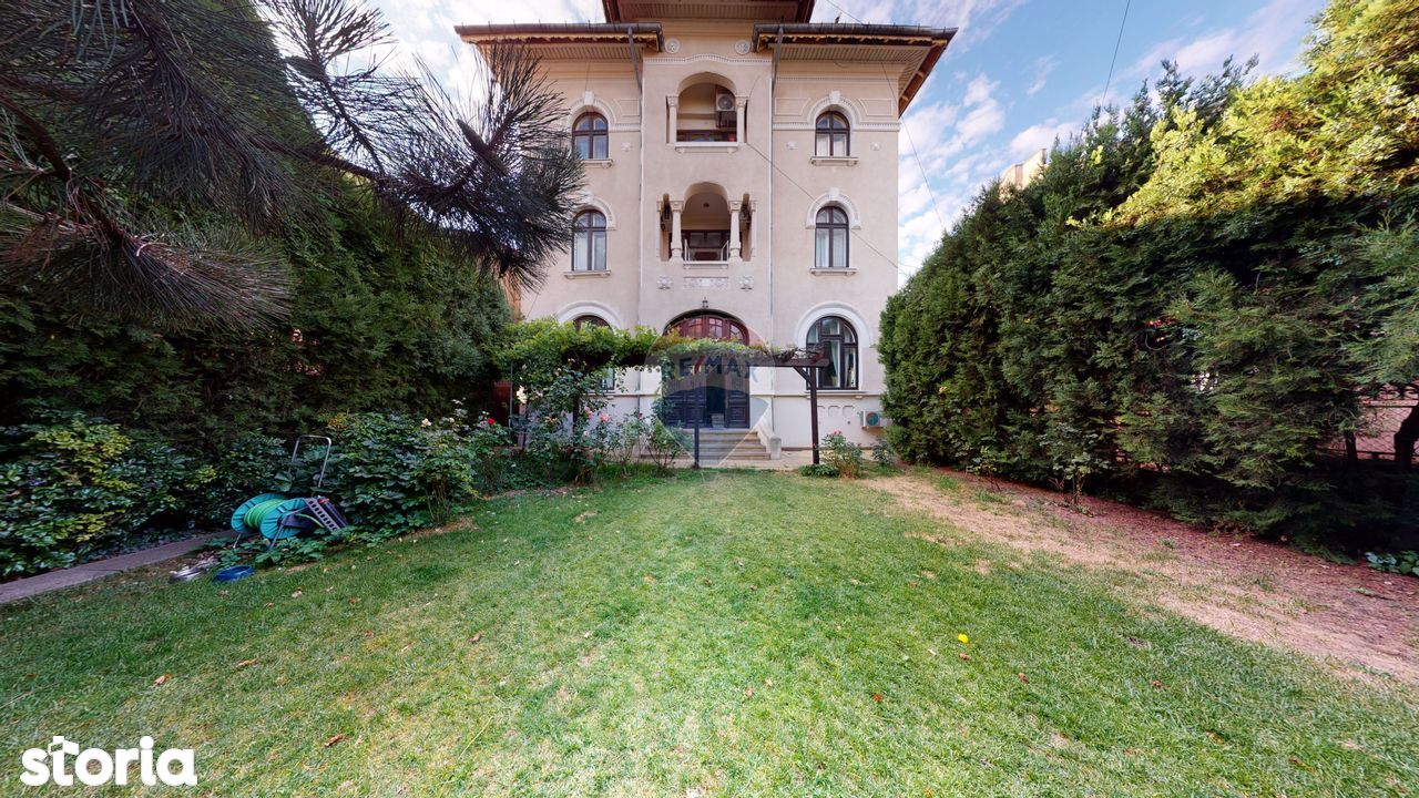Vilă cu 12 camere de închiriat în zona Nerva Traian
