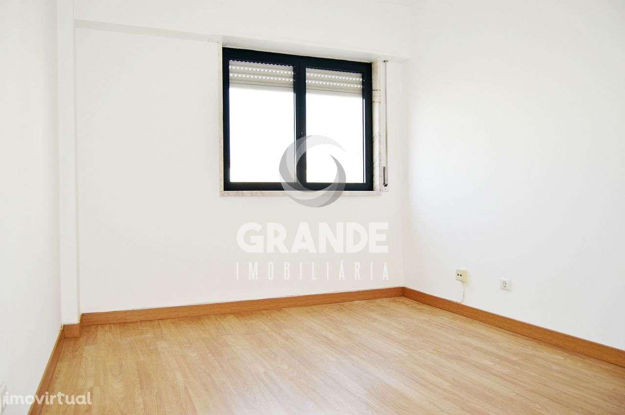 Apartamento para comprar, Santo António dos Cavaleiros e Frielas, Lisboa - Foto 21