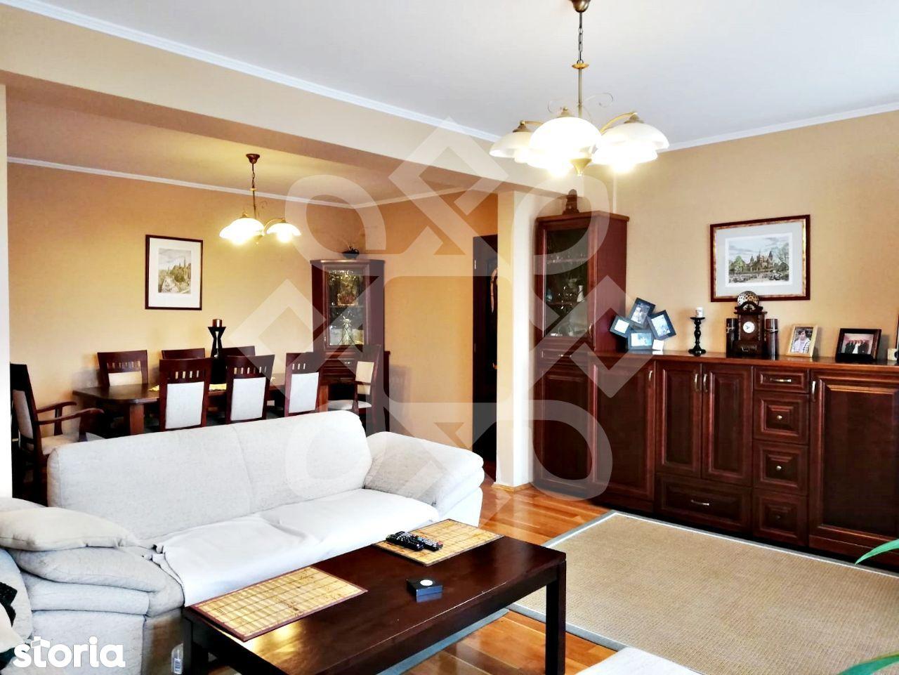Apartament cinci camere de vanzare, ultracentral, Oradea AV106