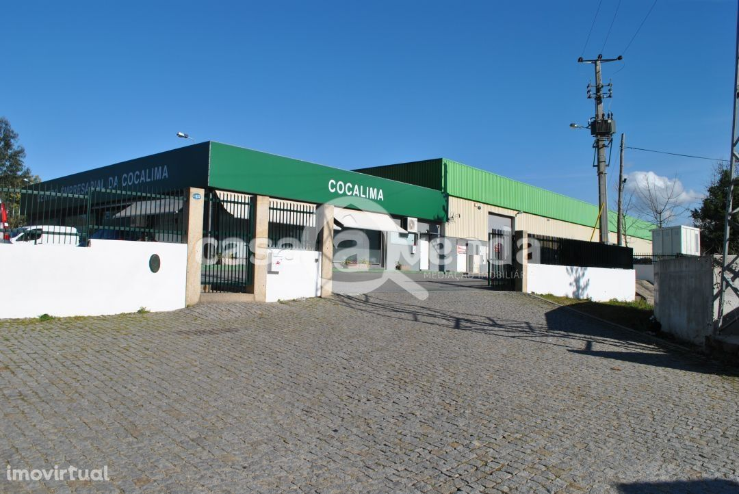 Armazém - Centro Empresarial Cocalima (Oportunidade de Investimento)