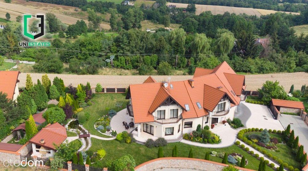Willa   7 pokoi   Ogród   6 balkonów