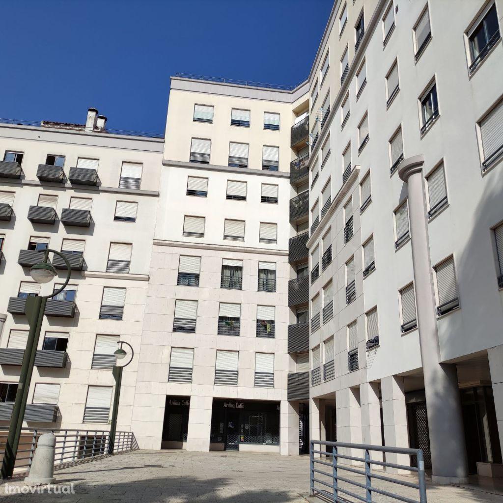 Apartamento T3 Alto dos moinhos/Estádio da Luz, S. Domingos de Benfica