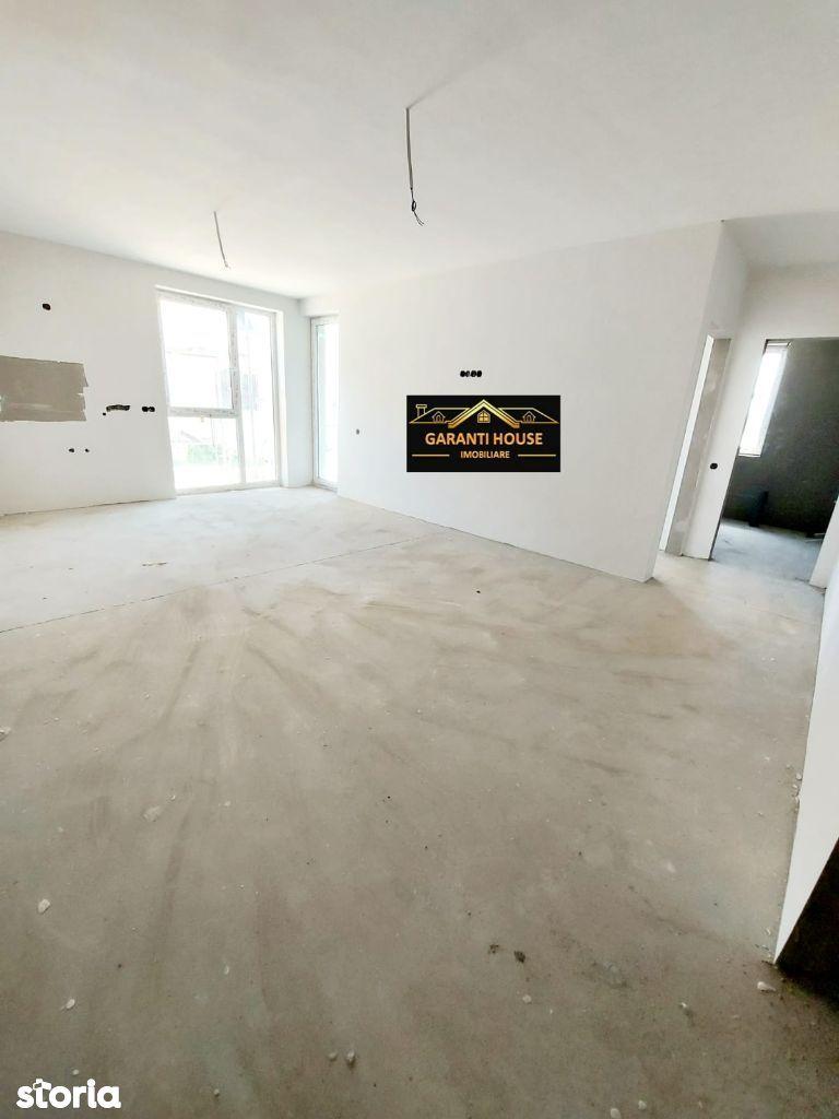 Victoriei, apartament cu 2 camere + terasa + 40 mp teren, 45 500€ neg.