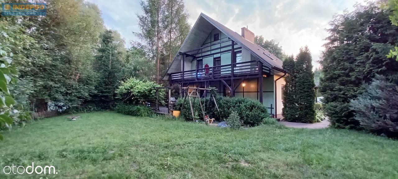 Dom wolnostojący z ogrodem w gminie Wiązowna