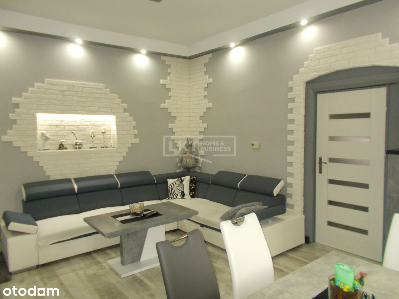Mieszkanie 4 pokojowe w atrakcyjnej kamienicy