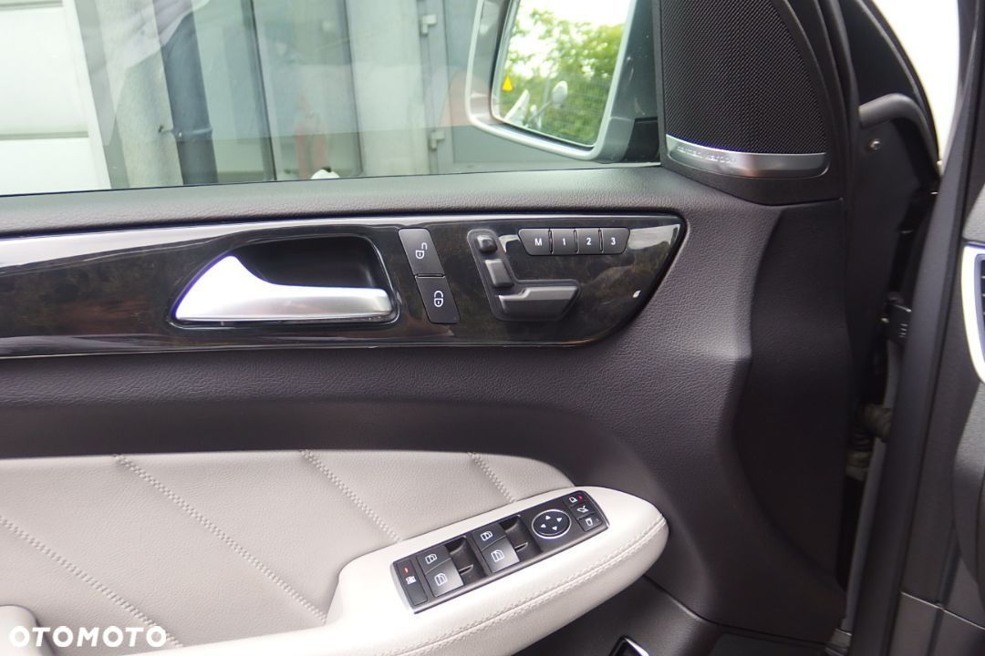 Mercedes-Benz GL 350 AMG Sportpaket Airmatic Panorama Dach DISTRONIC Night Vision - 25