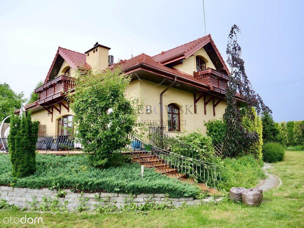 Funkcjonalny dom o pow. 360m2 Święcice