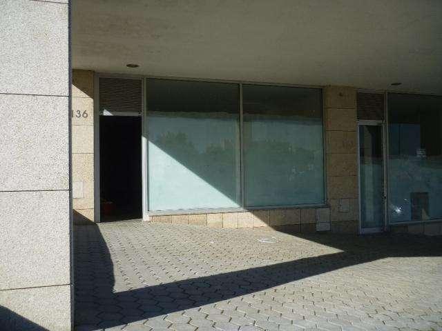 Loja para comprar, Oliveira do Douro, Vila Nova de Gaia, Porto - Foto 1