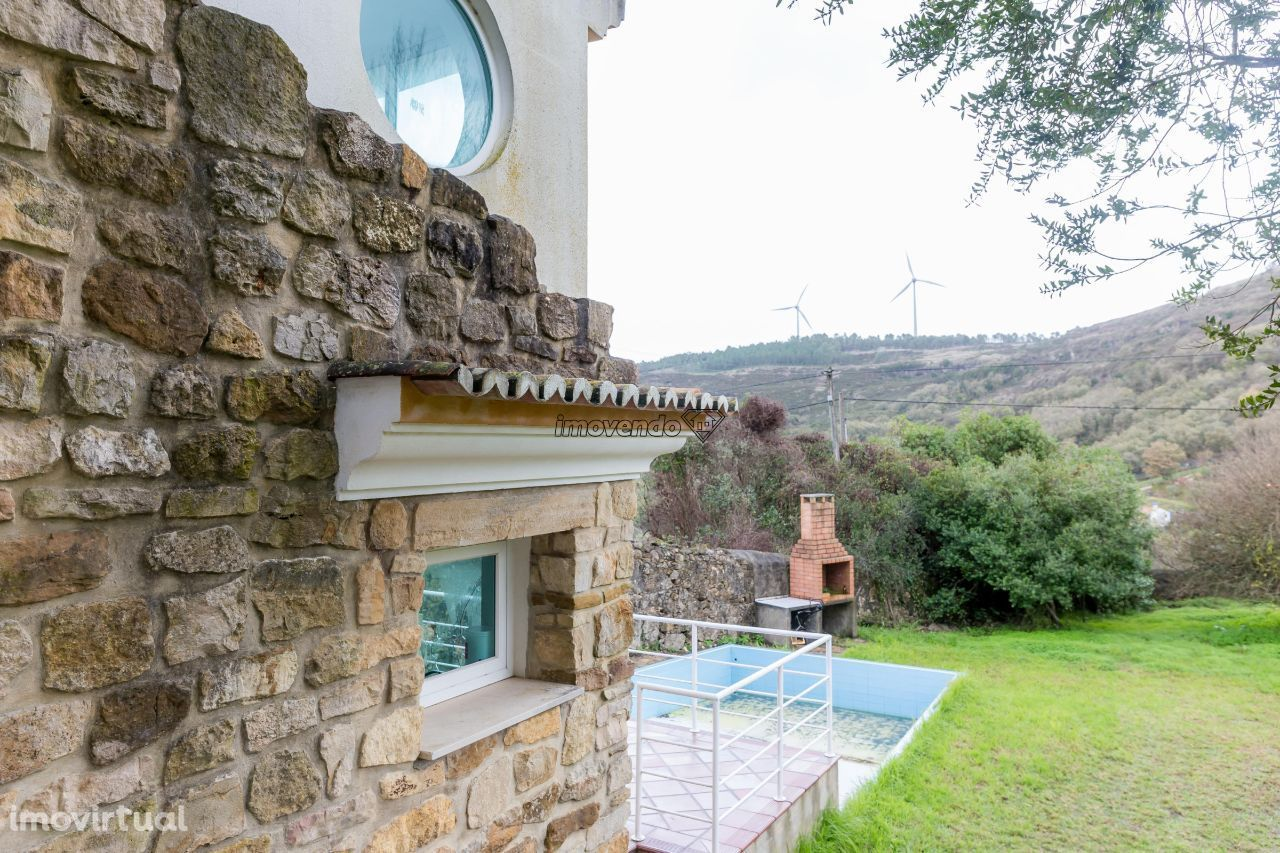 Verdadeiro refúgio de montanha nos arredores de Lisboa
