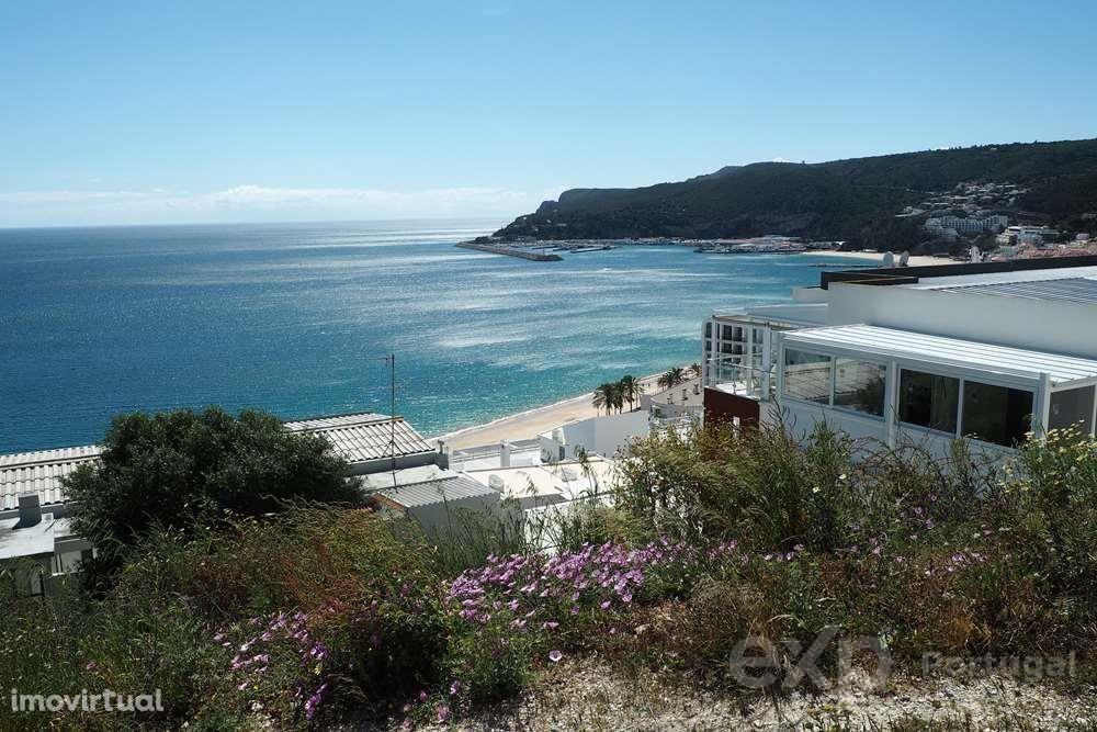 Oportunidade Única de Investimento. Lote para construção de 27 fracções, todas vista mar, na vila de Sesimbra.